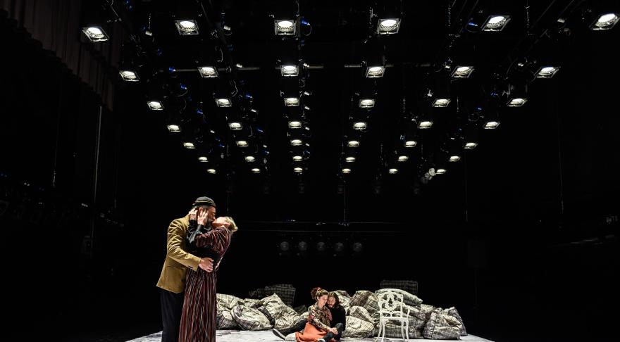 O DIA DA MATANÇA NA HISTÓRIA DE HAMLET – Teatro Experimental do Porto